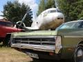 Fahrzeuge und Flugzeuge